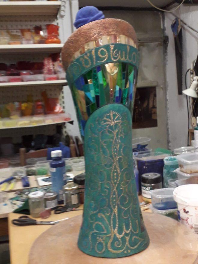 Skulptur eines arab. Liebespaares von hinten